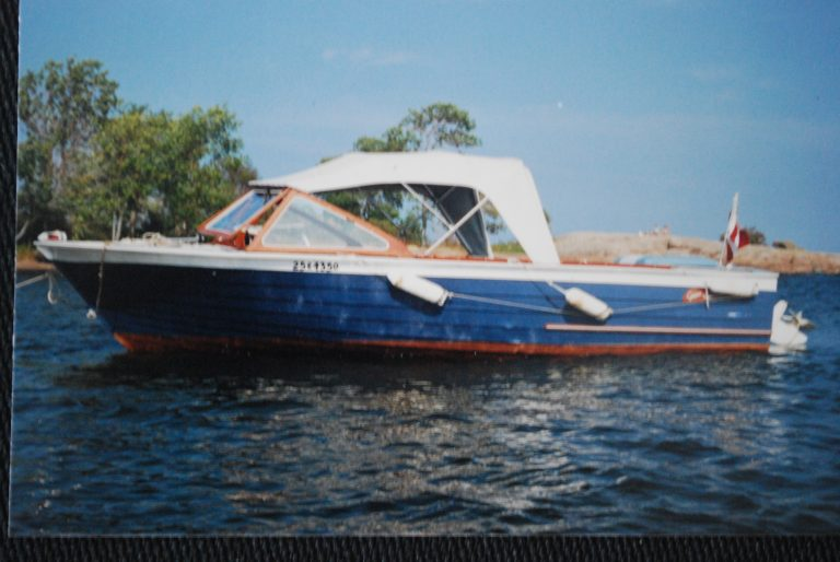 1965 Grew 20′ Runabout